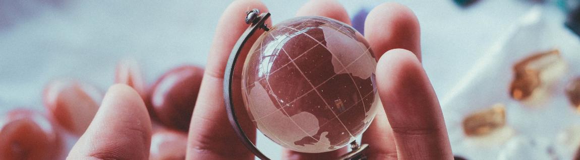 לסמוך בעיניים עצומות? כבר לא קלישאה: יום בחיי מנהלות גלובאליות